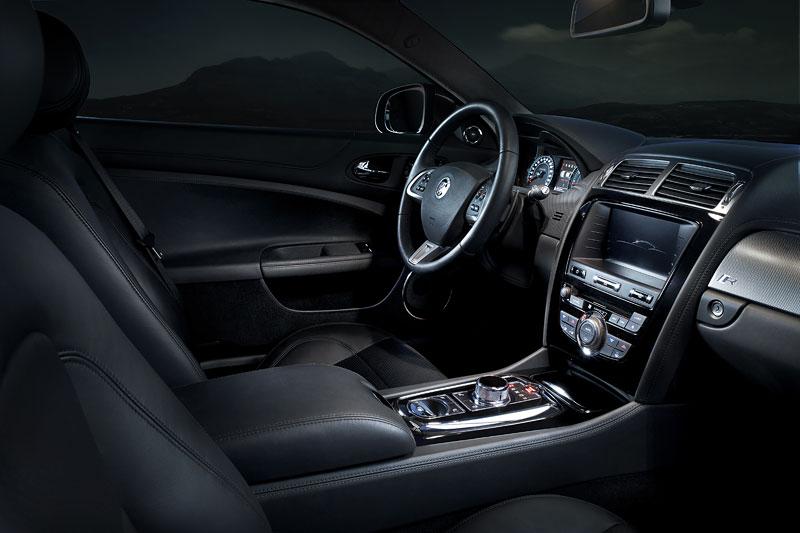Jaguar XK: facelift ve stylu XKR-S: - fotka 14