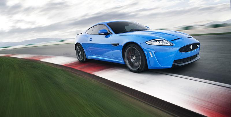 Jaguar XK: facelift ve stylu XKR-S: - fotka 20