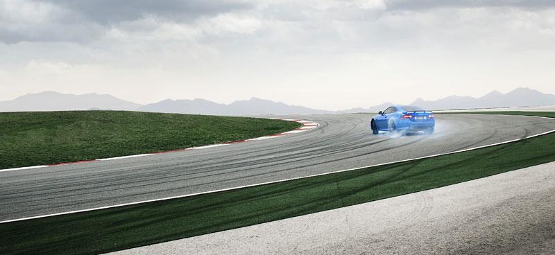 Jaguar XK: facelift ve stylu XKR-S: - fotka 26