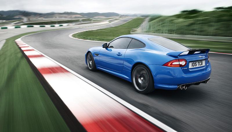Jaguar XK: facelift ve stylu XKR-S: - fotka 27