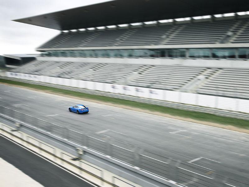 Jaguar XK: facelift ve stylu XKR-S: - fotka 28