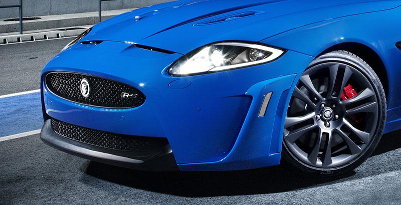 Jaguar XK: facelift ve stylu XKR-S: - fotka 30