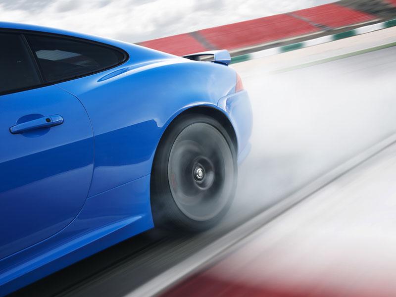 Jaguar XK: facelift ve stylu XKR-S: - fotka 32
