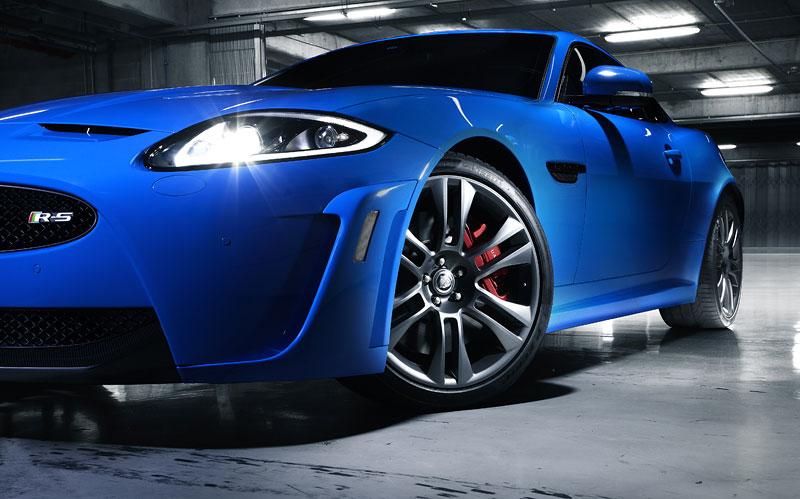 Jaguar XK: facelift ve stylu XKR-S: - fotka 34