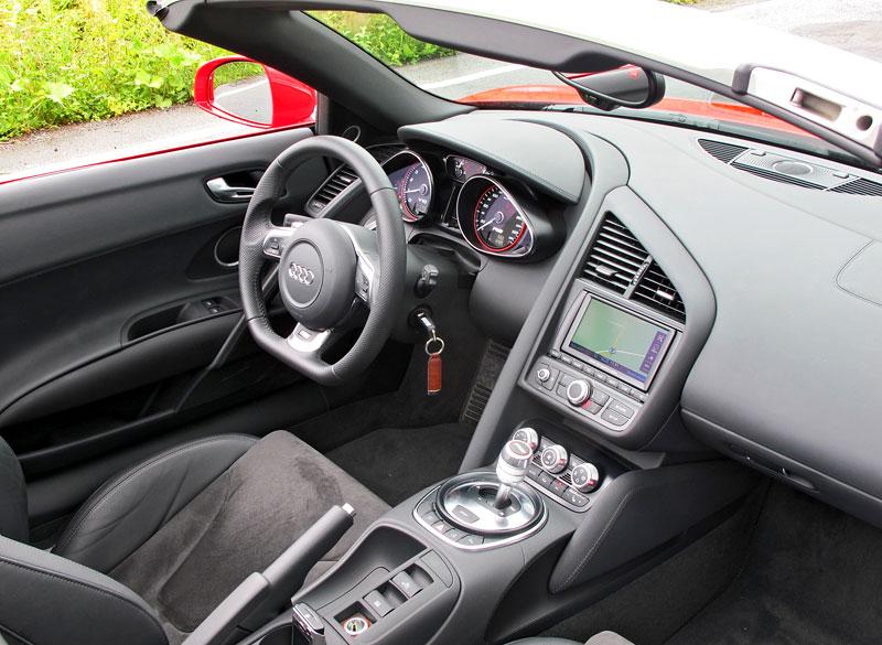 Za volantem: Audi R8 Spyder V10 5.2 quattro: - fotka 1