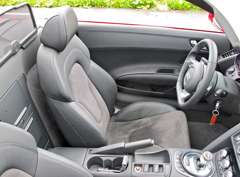 Za volantem: Audi R8 Spyder V10 5.2 quattro: - fotka 2