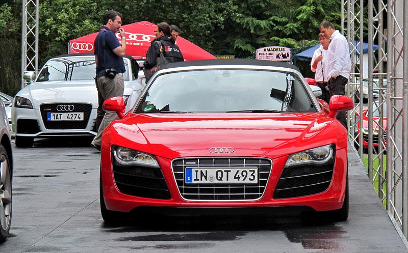 Za volantem: Audi R8 Spyder V10 5.2 quattro: - fotka 4