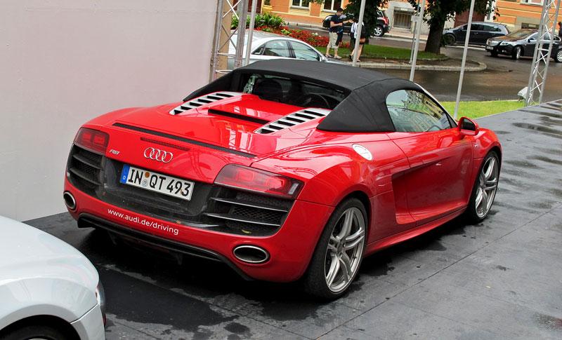 Za volantem: Audi R8 Spyder V10 5.2 quattro: - fotka 18