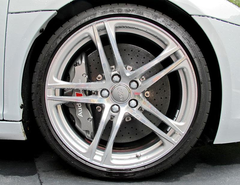 Za volantem: Audi R8 Spyder V10 5.2 quattro: - fotka 21
