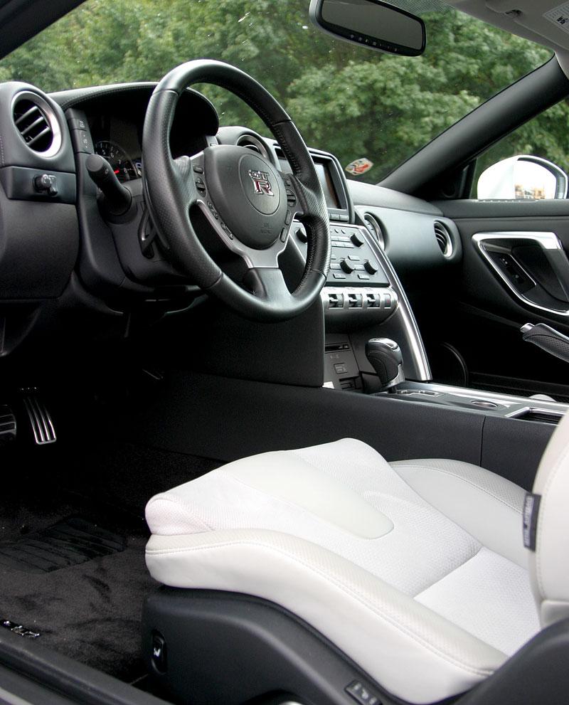 První Nissan GT-R v České republice!: - fotka 2
