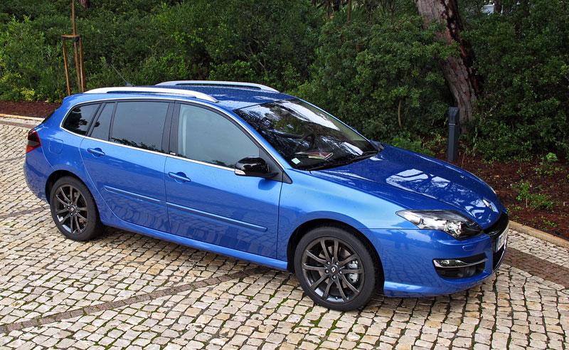 Za volantem: Renault Laguna 2.0 dCi 4Control 2011: - fotka 6