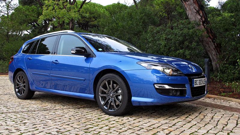 Za volantem: Renault Laguna 2.0 dCi 4Control 2011: - fotka 7
