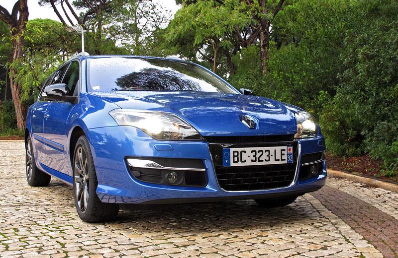 Za volantem: Renault Laguna 2.0 dCi 4Control 2011: - fotka 8