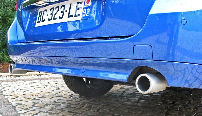 Za volantem: Renault Laguna 2.0 dCi 4Control 2011: - fotka 19