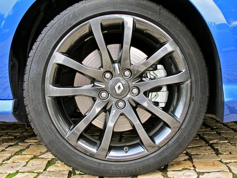 Za volantem: Renault Laguna 2.0 dCi 4Control 2011: - fotka 23