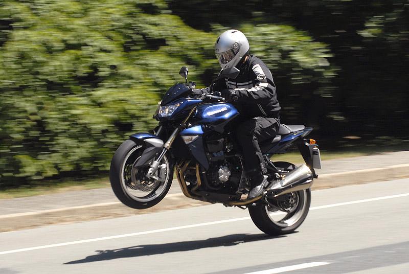 Test - Kawasaki Z1000: klidný svalovec: - fotka 12