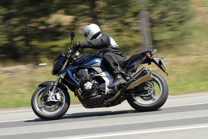 Test - Kawasaki Z1000: klidný svalovec: - fotka 19