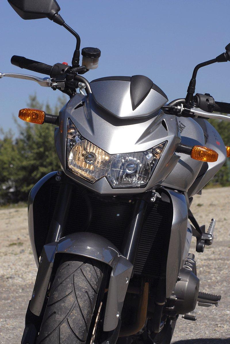 Test - Kawasaki Z750: je to rošťák: - fotka 4