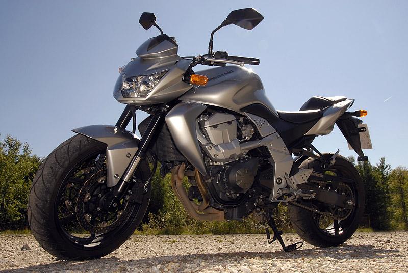 Test - Kawasaki Z750: je to rošťák: - fotka 16