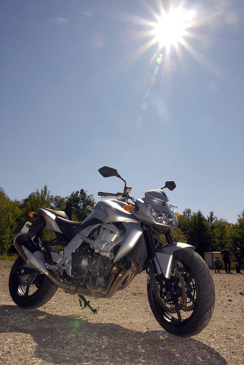 Test - Kawasaki Z750: je to rošťák: - fotka 18