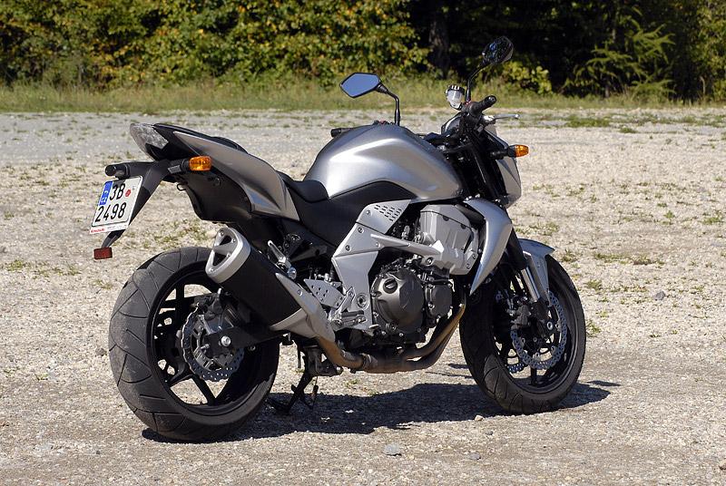 Test - Kawasaki Z750: je to rošťák: - fotka 26