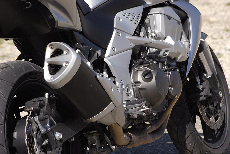 Test - Kawasaki Z750: je to rošťák: - fotka 31