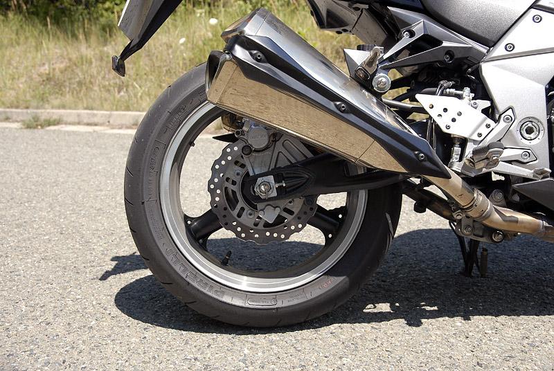 Test - Kawasaki Z1000: klidný svalovec: - fotka 28