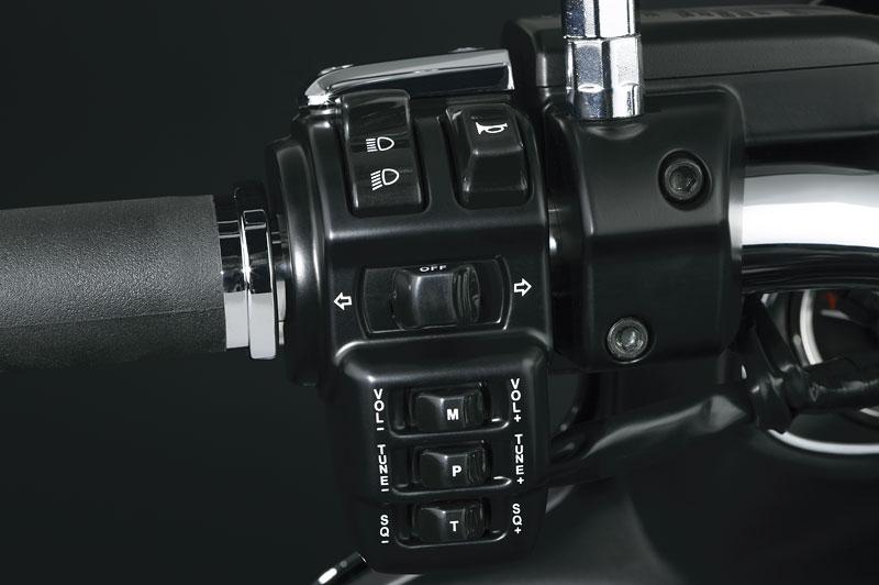 Kawasaki Classics 2011 - W800 a VN1700 Custom: - fotka 3