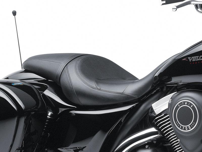 Kawasaki Classics 2011 - W800 a VN1700 Custom: - fotka 17
