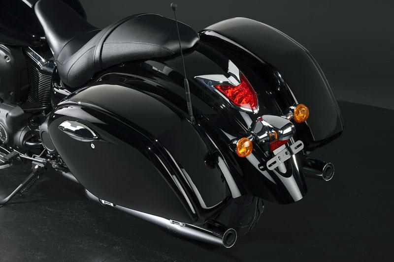 Kawasaki Classics 2011 - W800 a VN1700 Custom: - fotka 25