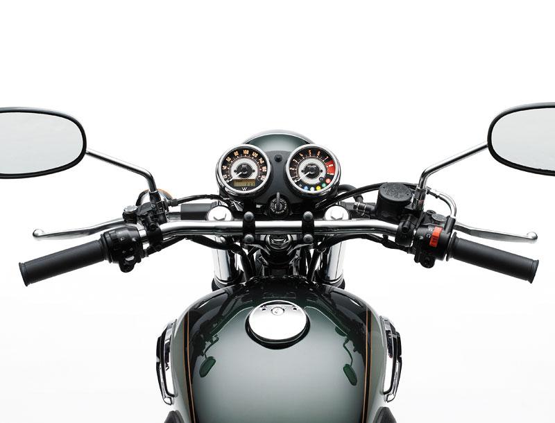 Kawasaki Classics 2011 - W800 a VN1700 Custom: - fotka 29