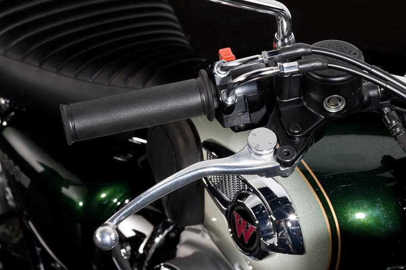 Kawasaki Classics 2011 - W800 a VN1700 Custom: - fotka 33