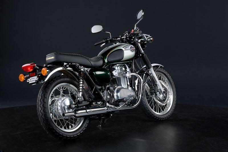 Kawasaki Classics 2011 - W800 a VN1700 Custom: - fotka 42