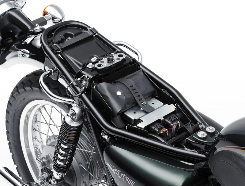 Kawasaki Classics 2011 - W800 a VN1700 Custom: - fotka 64