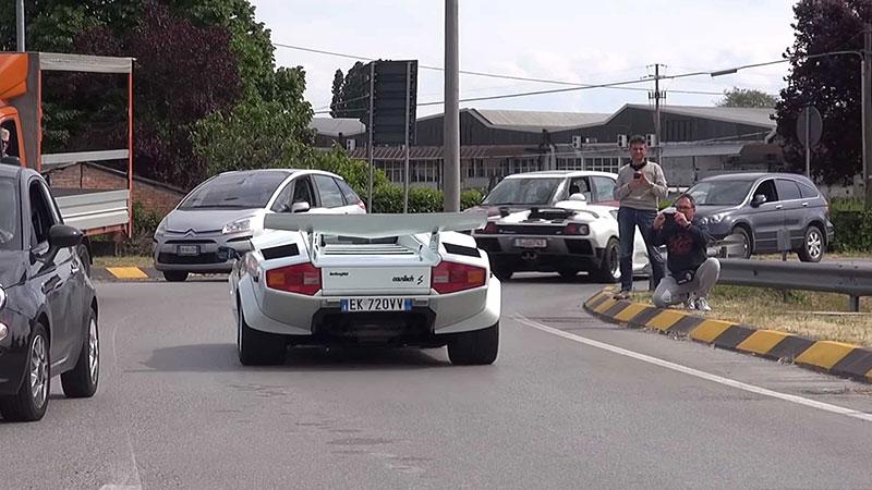 Poslechněte si vzácné Lamborghini Diablo GT. Automobilka jich vyrobila jen 80: - fotka 6
