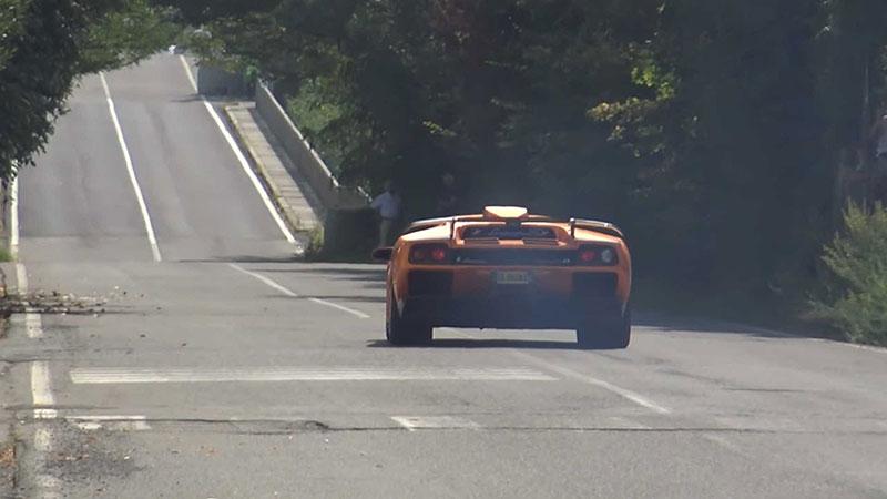 Poslechněte si vzácné Lamborghini Diablo GT. Automobilka jich vyrobila jen 80: - fotka 8