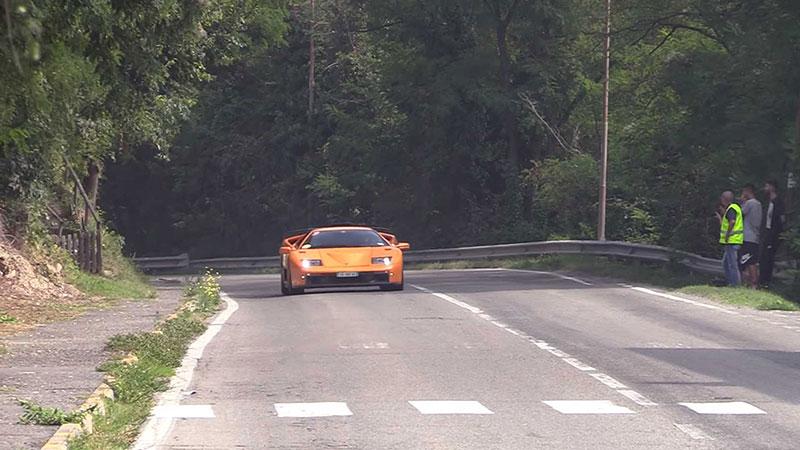 Poslechněte si vzácné Lamborghini Diablo GT. Automobilka jich vyrobila jen 80: - fotka 9