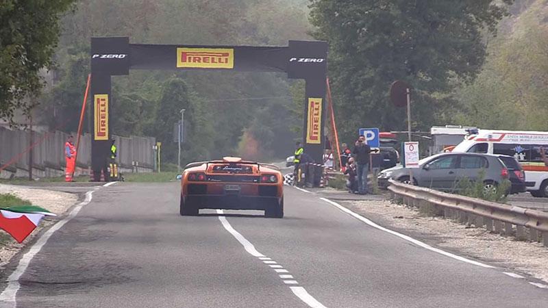 Poslechněte si vzácné Lamborghini Diablo GT. Automobilka jich vyrobila jen 80: - fotka 11