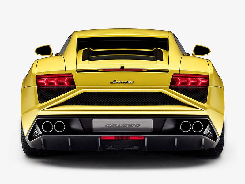 Nešťastníkovi shořelo jeho Lamborghini hodinu poté, co v něm odjel ze servisu: - fotka 5