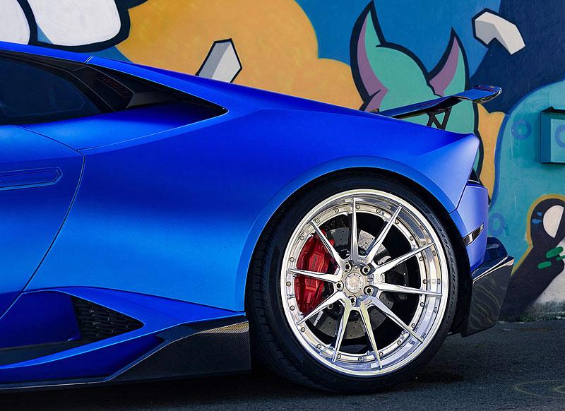 Přitažlivé Lamborghini Huracán LP 610-4 s přiostřenou vizáží i technikou: - fotka 8