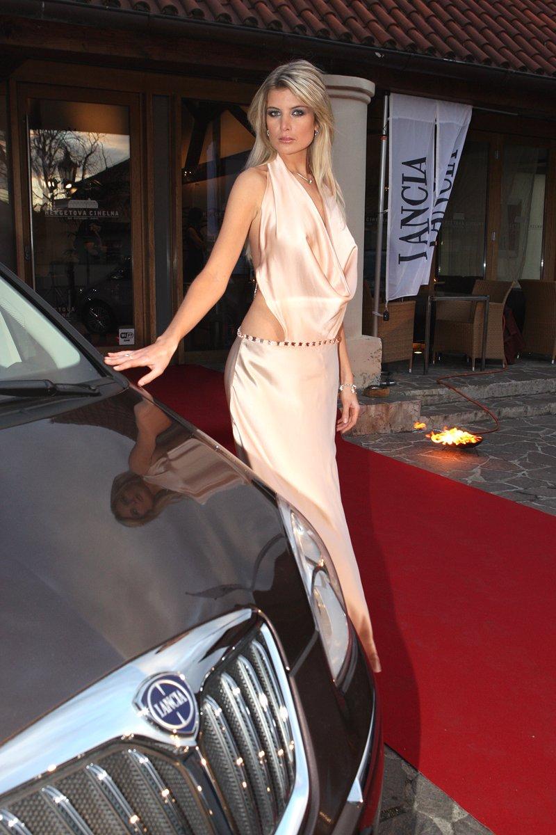 Nejkrásnější modelka světa českou tváří Lancie: - fotka 5