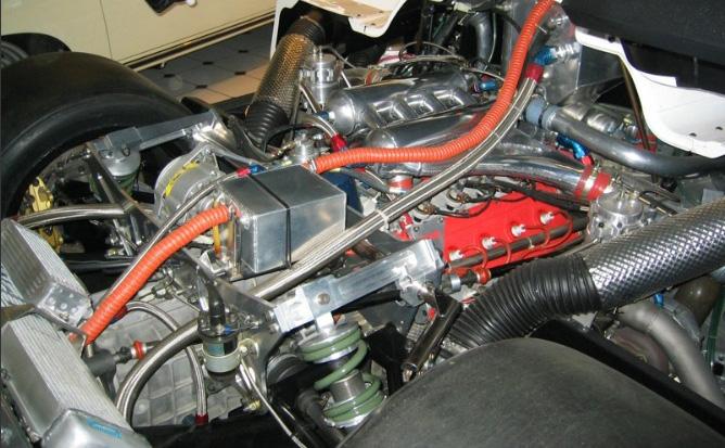 Lancia LC2: vzácný speciál Skupiny C na prodej: - fotka 9