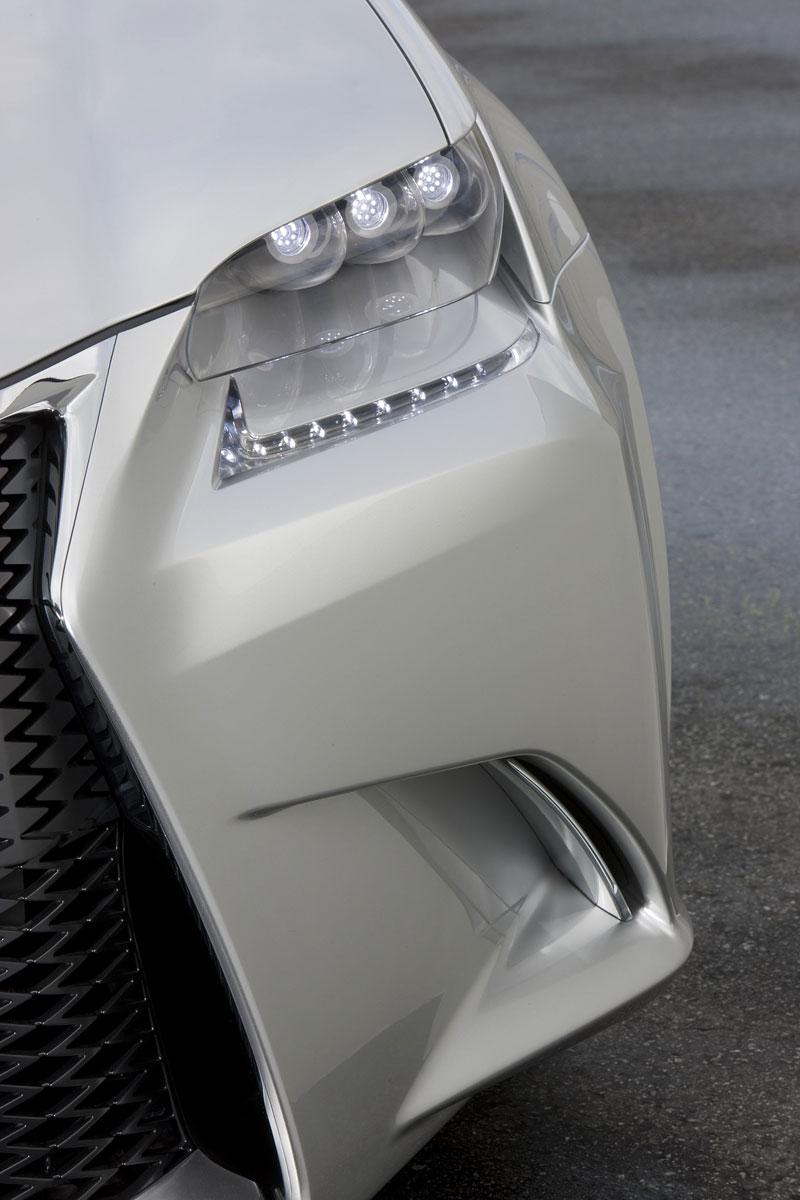 Lexus LF-Gh: první snímky konceptu nástupce sedanu GS: - fotka 1