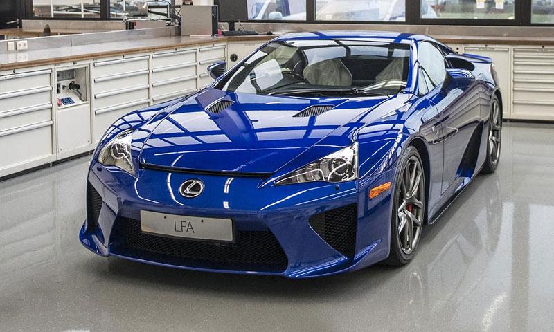 Jak se opravuje supersport Lexus LFA? Tuhle práci chcete!: - fotka 1