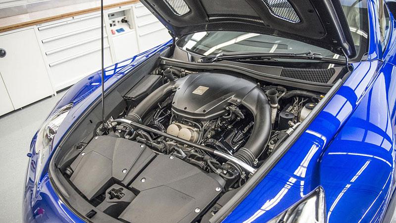 Jak se opravuje supersport Lexus LFA? Tuhle práci chcete!: - fotka 5