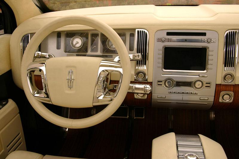 Ford prodává koncepty: je libo solitér?: - fotka 34