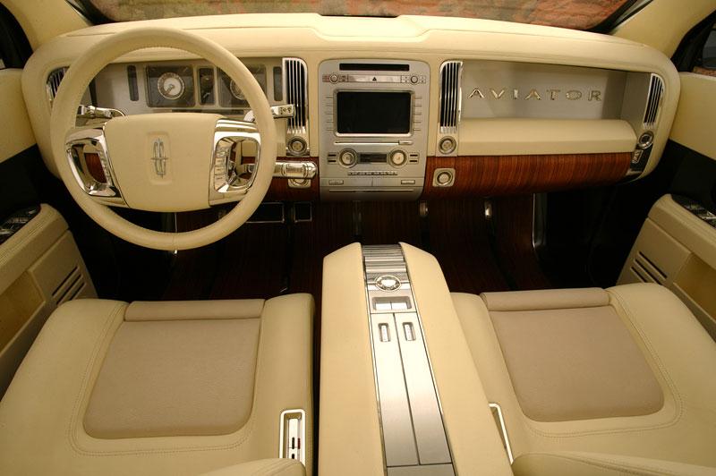 Ford prodává koncepty: je libo solitér?: - fotka 35