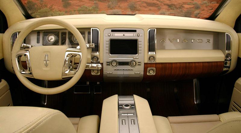 Ford prodává koncepty: je libo solitér?: - fotka 36