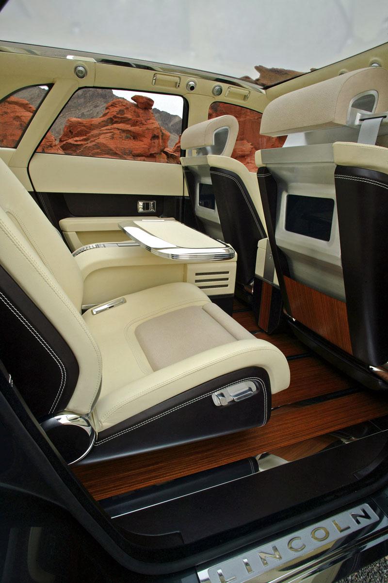 Ford prodává koncepty: je libo solitér?: - fotka 44