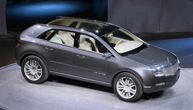 Ford prodává koncepty: je libo solitér?: - fotka 47